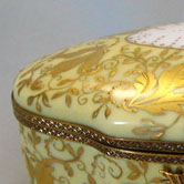 Gold leaves Sevres pattern Bonbon box